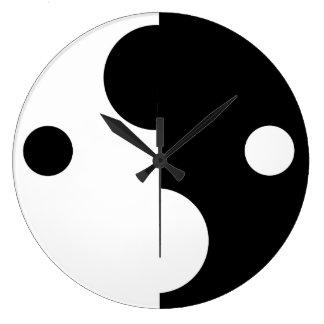 Reloj de pared abstracto blanco y negro minimalist