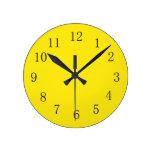 Reloj de pared amarillo limón brillante de la
