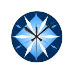 Reloj de pared azul de los diamantes