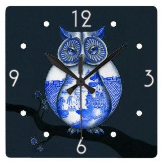 Reloj de pared azul del búho del sauce