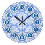 Reloj de pared azul y blanco del modelo del damasc