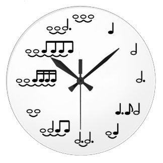 Reloj de pared caprichoso de las notas musicales p