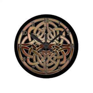 Reloj de pared céltico metálico de bronce del nudo
