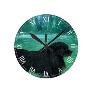 Reloj de pared clásico del perro de Terranova