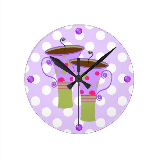 Reloj de pared colorido de la cocina de las tazas