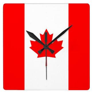 Reloj de pared con la bandera de Canadá