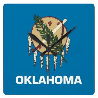 Reloj de pared con la bandera de Oklahoma, los