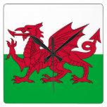 Reloj de pared con la bandera de País de Gales