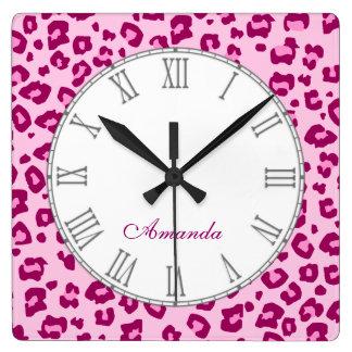 Reloj de pared conocido rosado del estampado de an