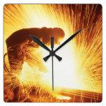 Reloj de pared cuadrado del soldador