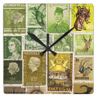 Reloj de pared de Brown del verde de musgo,
