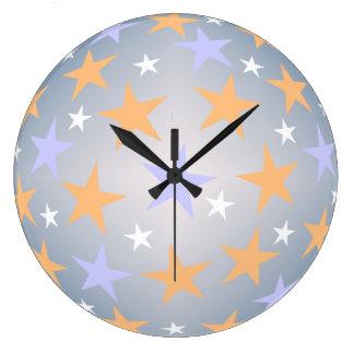 Reloj de pared de color de malva y blanco anaranja