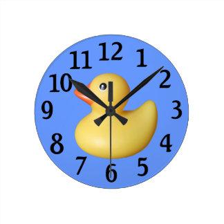 Reloj de pared de goma amarillo del pato