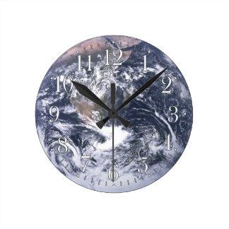 Reloj de pared de la astronomía de la tierra del p