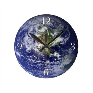 Reloj de pared de la astronomía del Día de la Tier