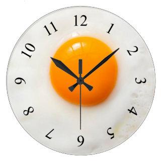 reloj de pared de la cocina del huevo frito