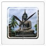 Reloj de pared de la estatua de Buda