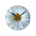 Reloj de pared de la flor de las margaritas del Wi