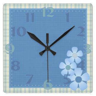 Reloj de pared de la flor del remiendo