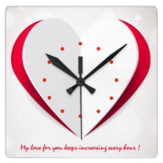 Reloj de pared de la forma del corazón del libro