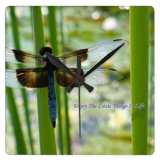 Reloj de pared de la libélula