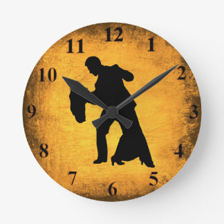 Reloj de pared de la silueta de los pares de la da