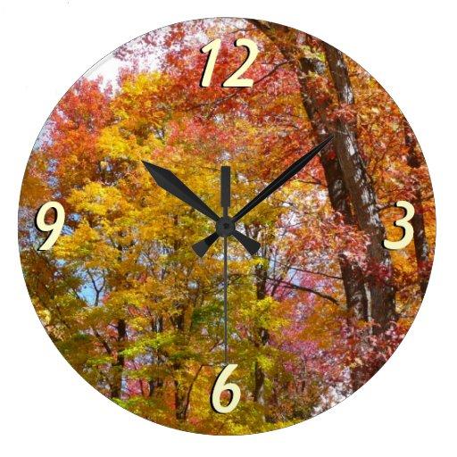 Reloj de pared de los árboles de la caída del nara
