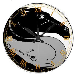 Reloj de pared de los caballos de YinYang