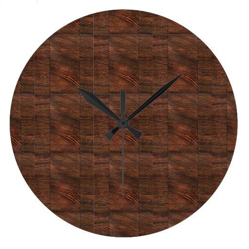 Reloj de pared de madera de las rayas y de los cua