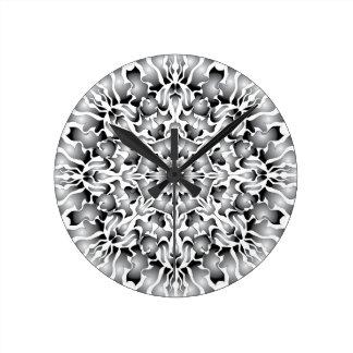Reloj de pared de plata de la llama