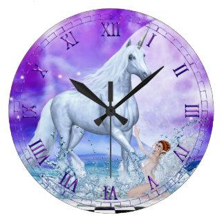 Reloj de pared de plata de la ninfa del unicornio