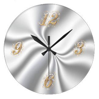 Reloj de pared de plata del satén