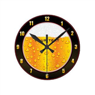 Reloj de pared de vidrio de cerveza