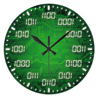 Reloj de pared decorativo del código binario