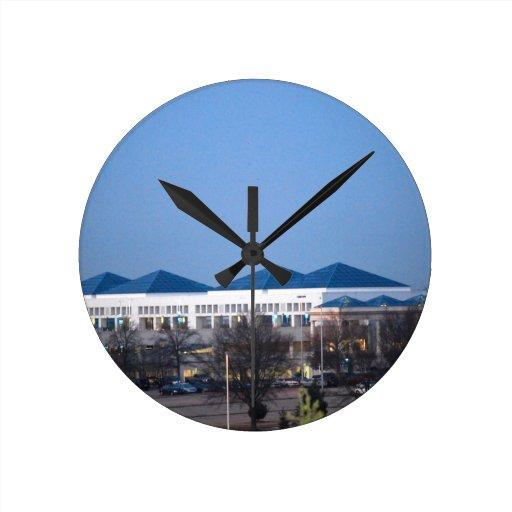Reloj de pared del aeropuerto de Columbia