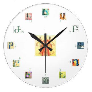 Reloj de pared del alfabeto armenio