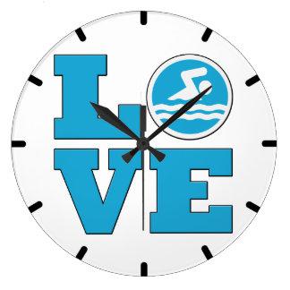 Reloj de pared del amor de la nadada