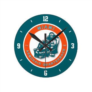 Reloj de pared del fútbol del estratega de la buta