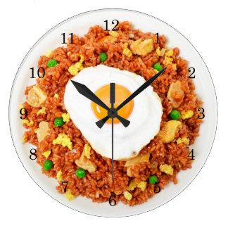 Reloj de pared del huevo y del arroz frito