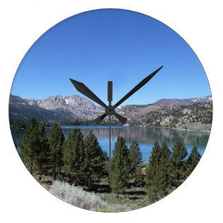 Reloj de pared del lago mountain