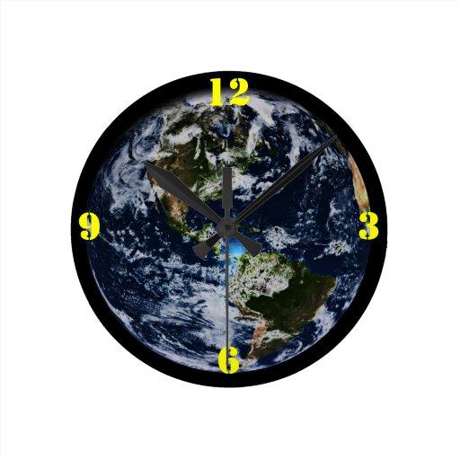 Reloj de pared del mundo de la tierra del planeta