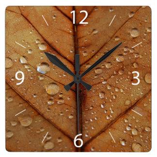 Reloj de pared del otoño