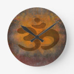 reloj de pared del símbolo del aum de OM