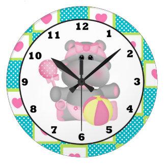 Reloj de pared del sitio del bebé del hipopótamo d