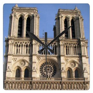 Reloj de pared elegante con Notre Dame de Paris