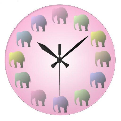 Reloj de pared en colores pastel de los elefantes
