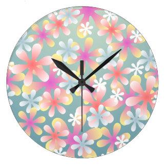 Reloj de pared en colores pastel del estampado de
