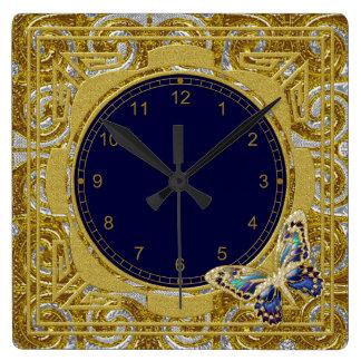 Reloj de pared enmarcado de la mariposa