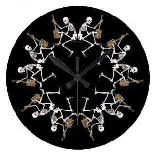 Reloj de pared esquelético de la danza de CBG