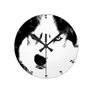 Reloj de pared fornido del perro de trineo del lob